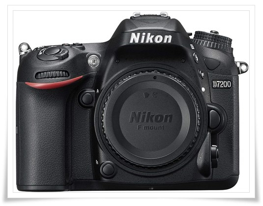 Nikon D7200 24.2MP Digital SLR Camera With Card, Camera Bag - best dslr under 60000, best dslr camera under 60000, best dslr camera under 60000 in 2019